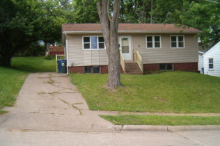 SALE PENDINGOPEN HOUSE CANCELLED3020 W. 1st StreetDavenport, Iowa Rent to Own for $848 per month (including taxes & insurance)3 Bedrooms, 1 Bathroom, Large Back Yard