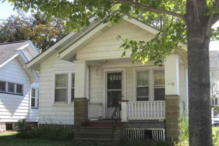 A DIAMOND IN THE ROUGH3008 Avenue of the CitiesMoline, Illinois Rent to Own for $665 per month (including taxes & insurance)2 Bedrooms, 1 Bathroom,  Rear Parking