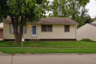 SALE PENDING!!2215 Valley DriveDavenport, Iowa Rent to Own for $1,042 per month (including taxes & insurance)3 Bedrooms, 1½ Bathrooms, 2 Car Garage