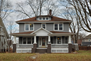 CLASSIC 2 STORY HOME!!1515 Marquette StreetDavenport, Iowa Rent to Own for $1,095 per month (including taxes & insurance)5 Bedrooms, 2½&nbspBathrooms, 2 Car Garage