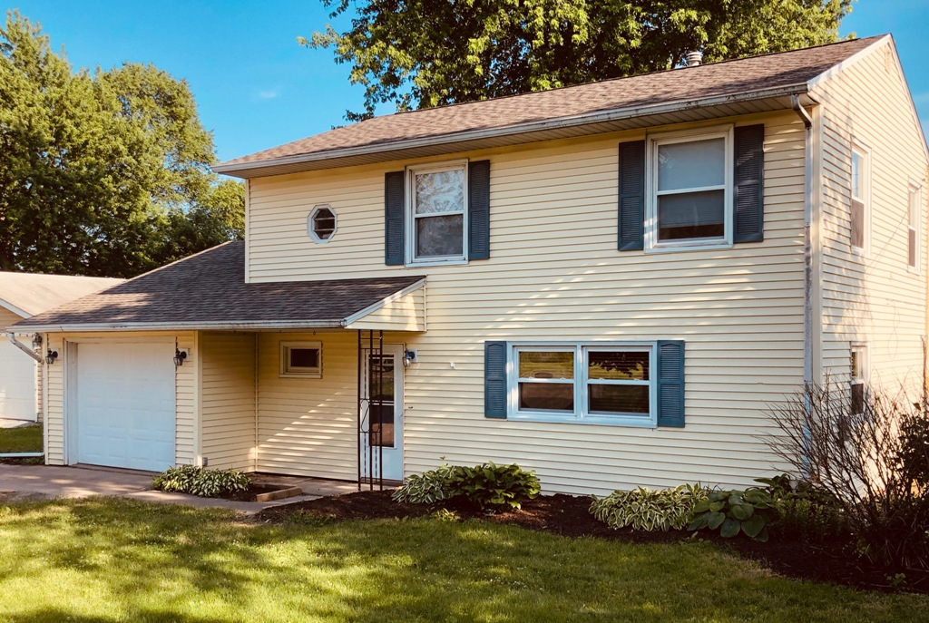 SOLD!!13616 137th Ave WEdgington/Taylor Ridge, Illinois Rent to Own for $1,088 per month (including taxes & insurance)5 Bedrooms, 2 Bathrooms, Garage