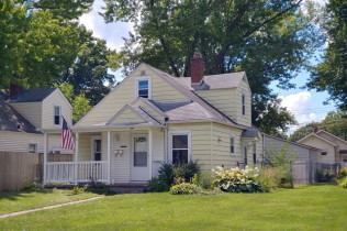MOLINE - 3 BEDROOMS!!2033 4th StreetMoline, IllinoisRent to Own for $899 per month(including taxes & insurance) 3 Bedrooms, 1 & 1/2 Bathrooms, Garage