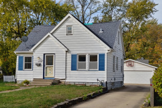 CLOSE TO SHOPPING AND SCHOOLS!2304 25th StreetRock Island, IllinoisRent to Own for $1,049 per month(including taxes & insurance)3 Bedrooms, 1 & 1/2 Bathrooms, 2 Car Garage