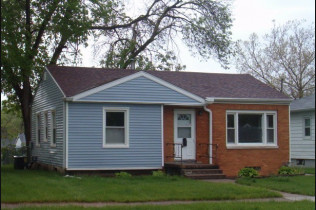 Just Reduced!!2112 N. Lincoln AveDavenport, IowaRent to Own for $848 per month(including taxes & insurance)2 bedrooms, 1 bathroom