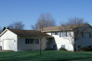 Just Reduced!!3410 35th AvenueMoline, IllinoisRent to Own for $1,496 per month(including taxes & insurance) 5 Bedrooms, 3 Bathrooms